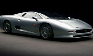 Jaguar XJ220 LM Race Car – 1988