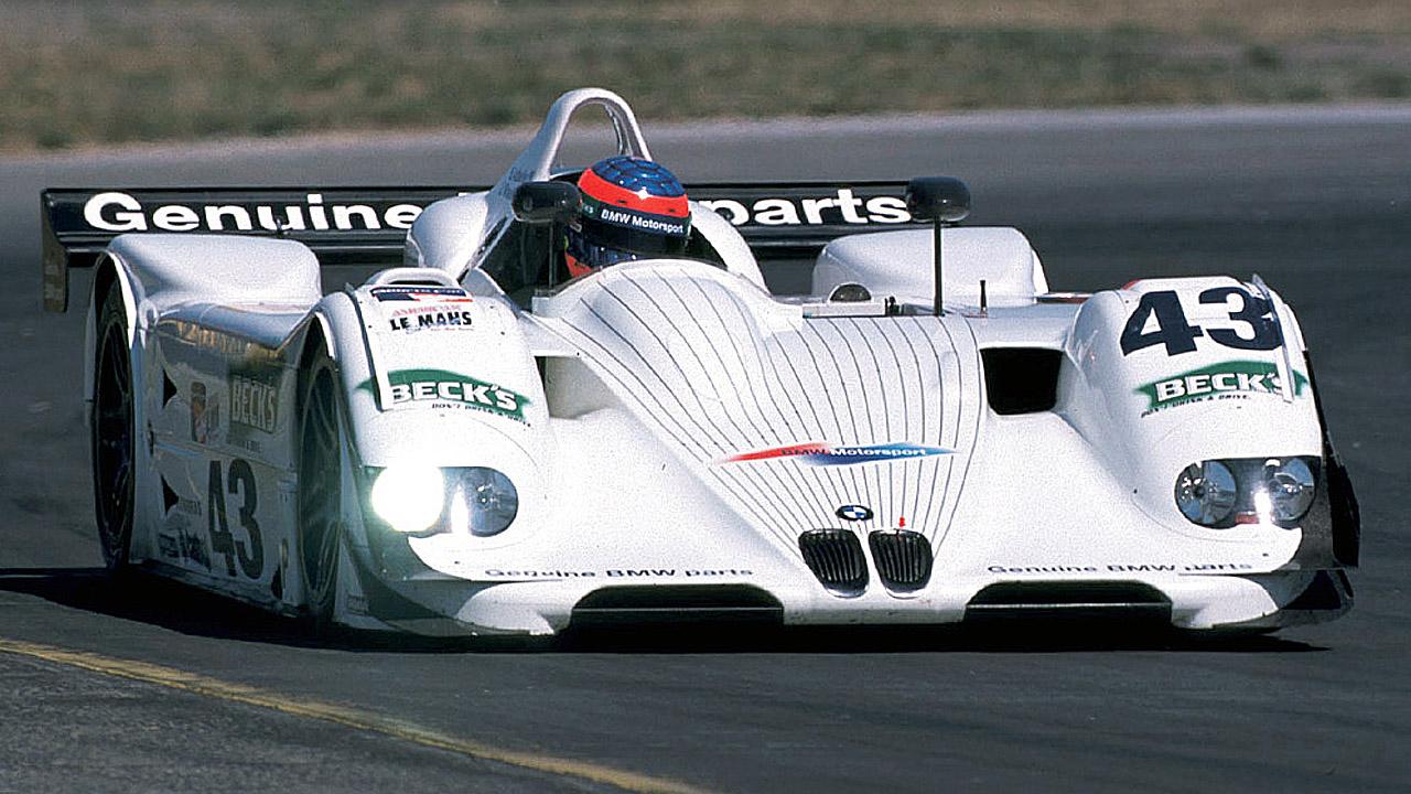 белый BMW LM