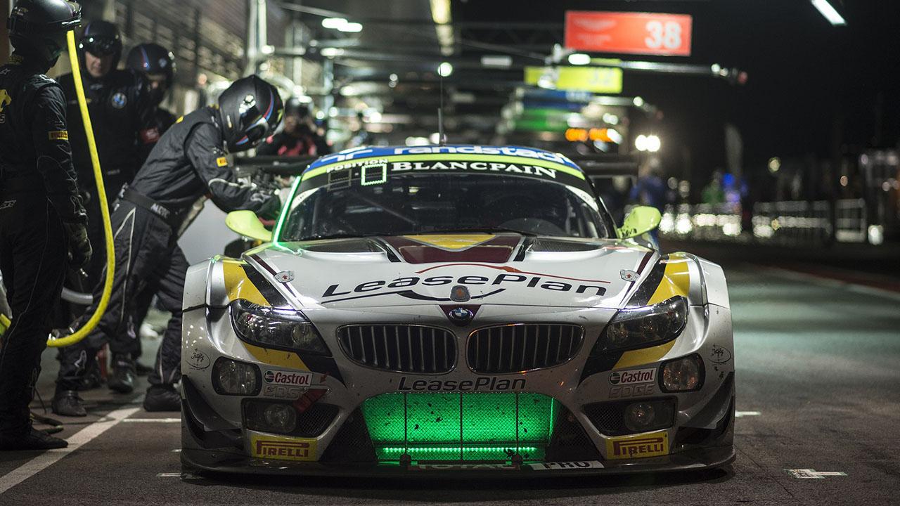 BMW с изумрудной решеткой