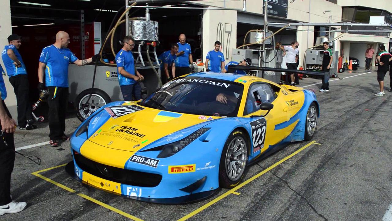 Ferrari Team Ukrain на пит-стопе