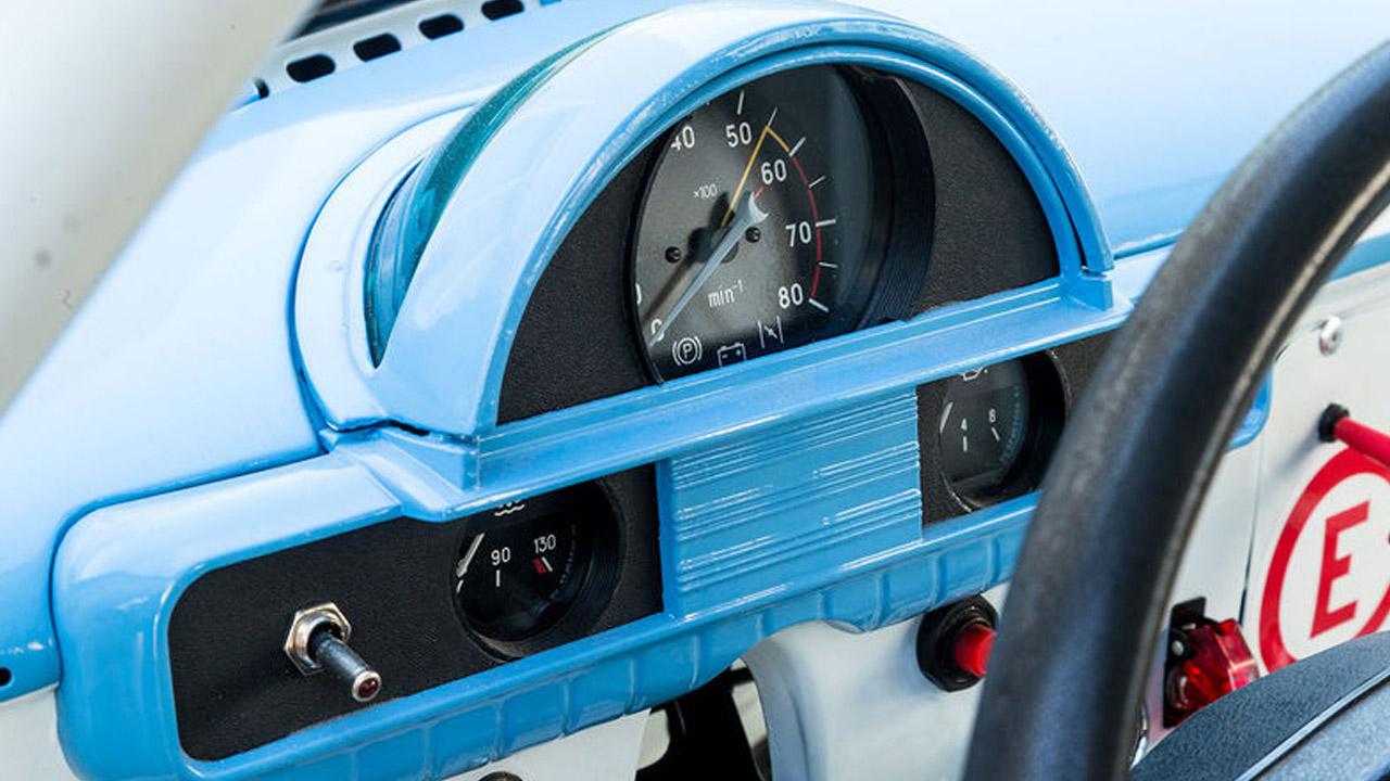 Приборная панель гоночного ГАЗ