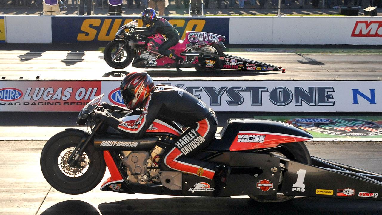 гонки по прямой на мотоциклах