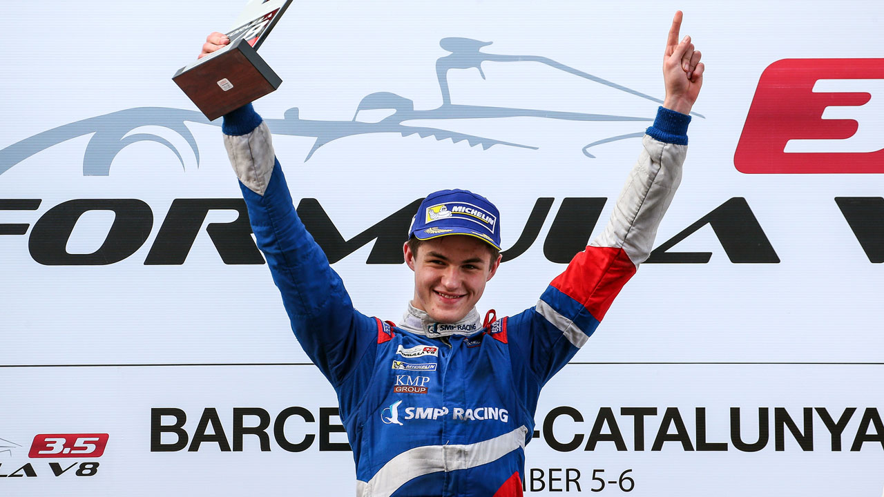 юный гонщик победитель