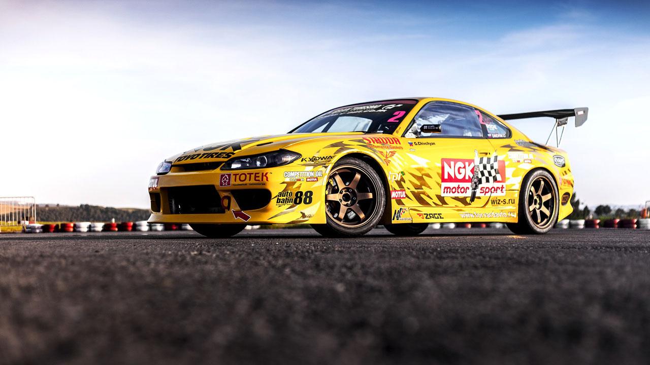 желтая дрифтовая Silvia Гочи