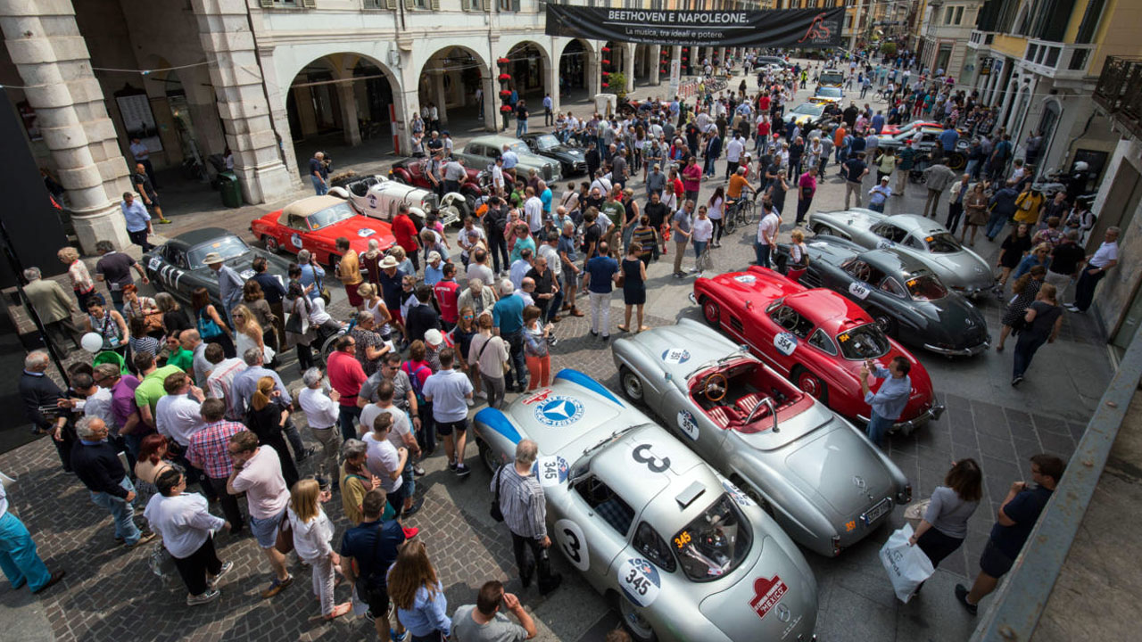 Парад Mille Miglia