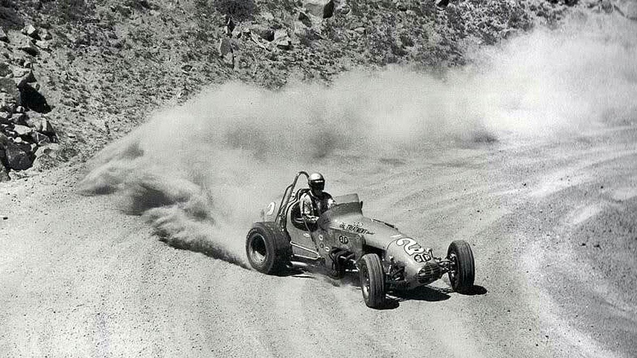 песок из под задних колес авто