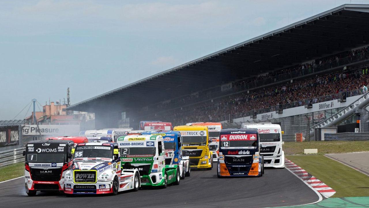 грузовики наперегонки