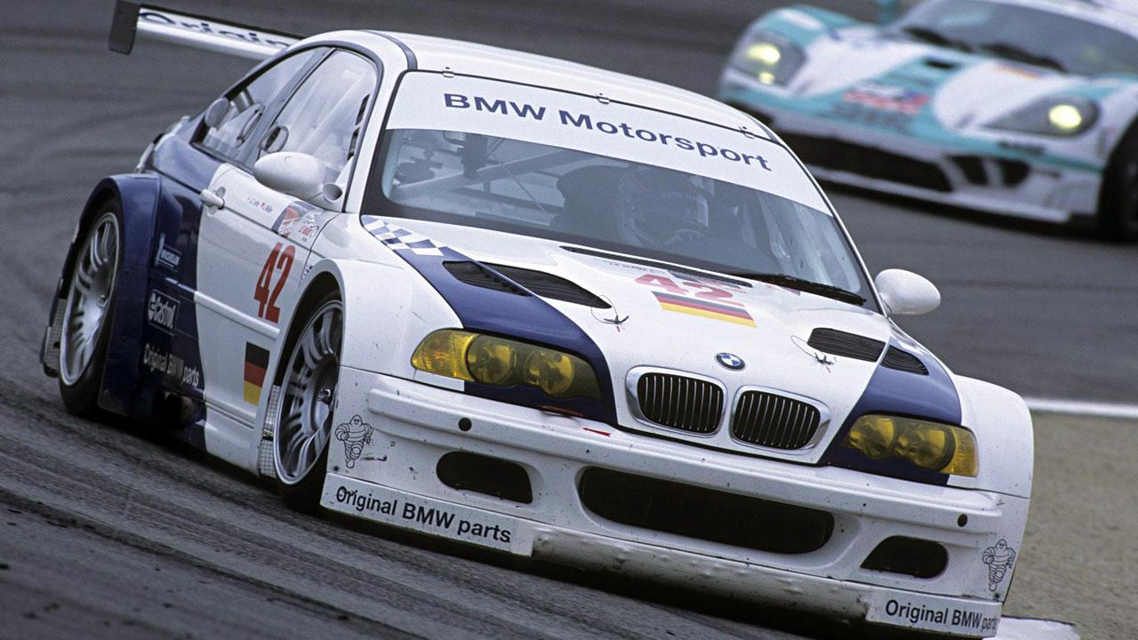 BMW-M3-GTR-Race-Car-01-6.jpg