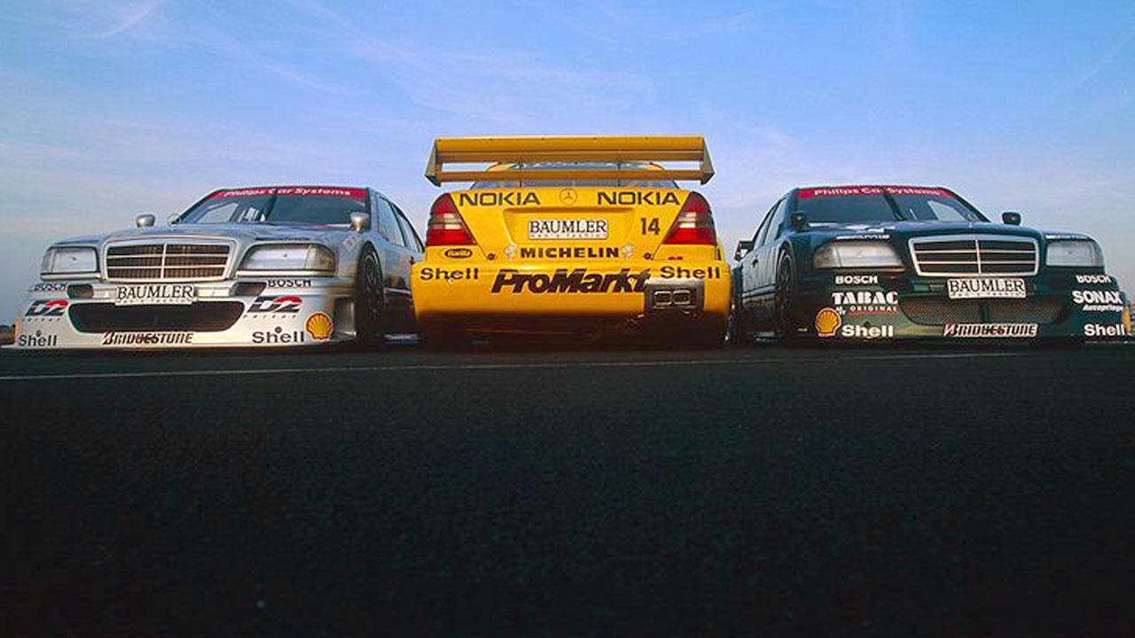 три гоночных мерседеса