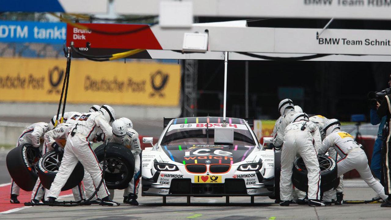 замена колес на гонке