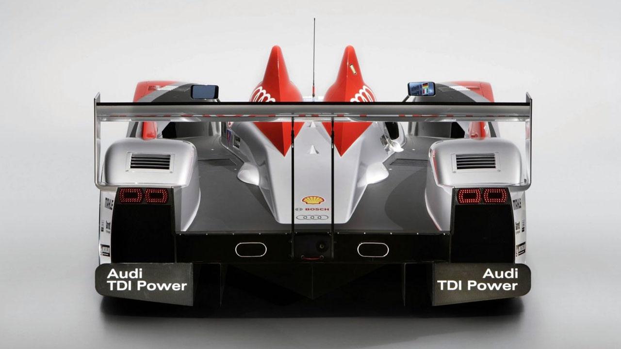гоночная машина вид сзади