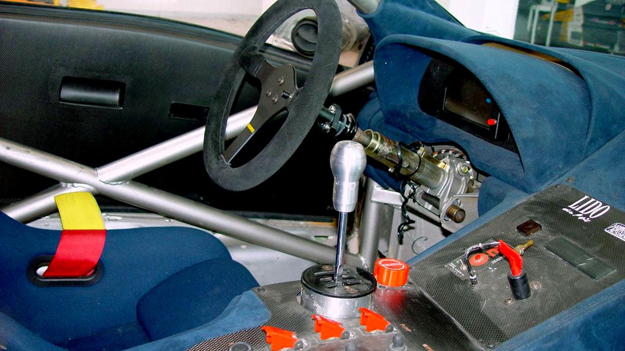 Рукоятка КПП гоночной машины