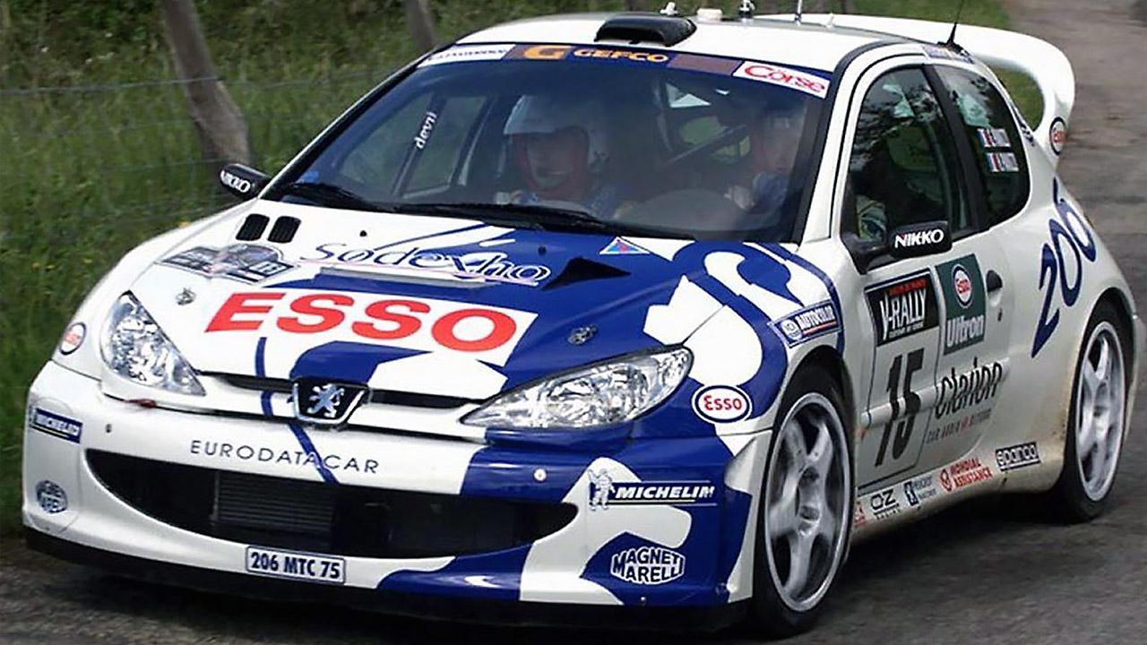 бело-синияя машина