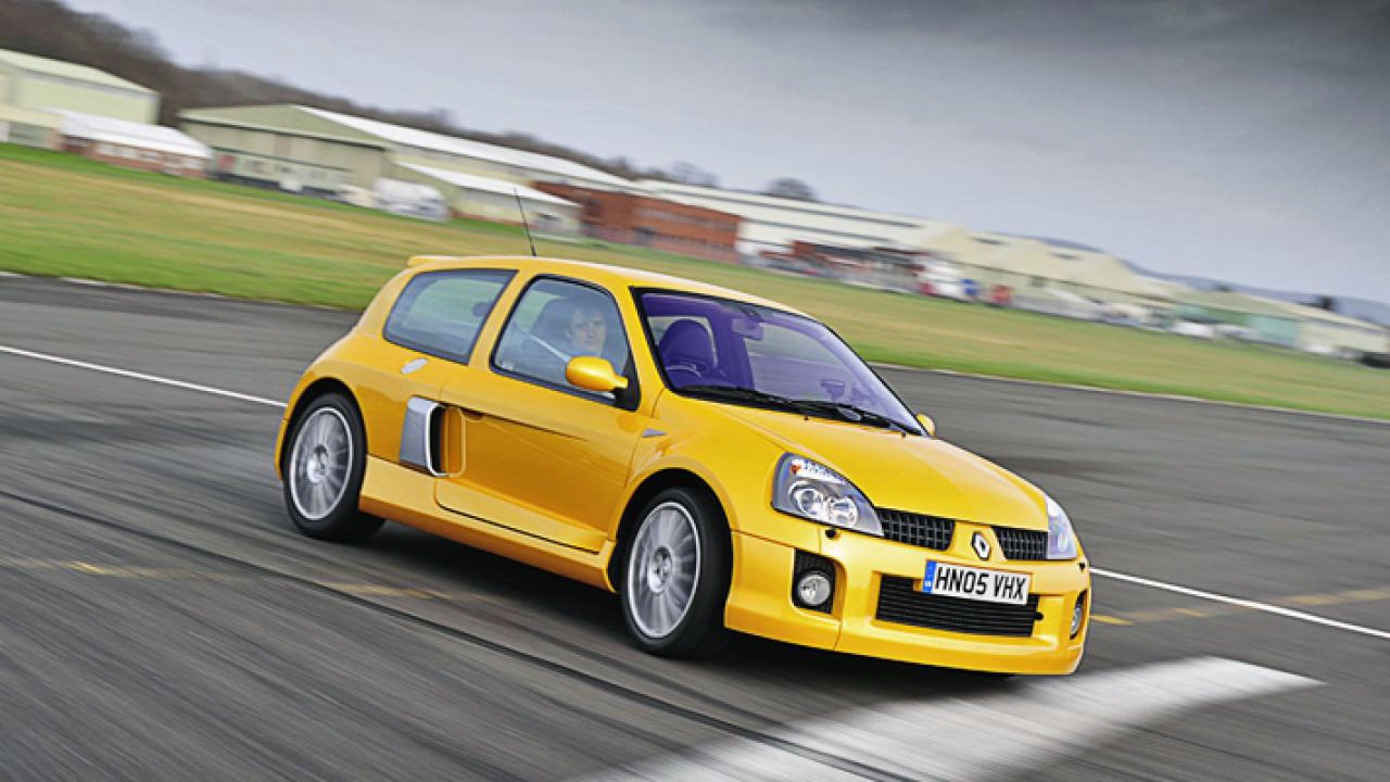 желтая машина праввый поворот