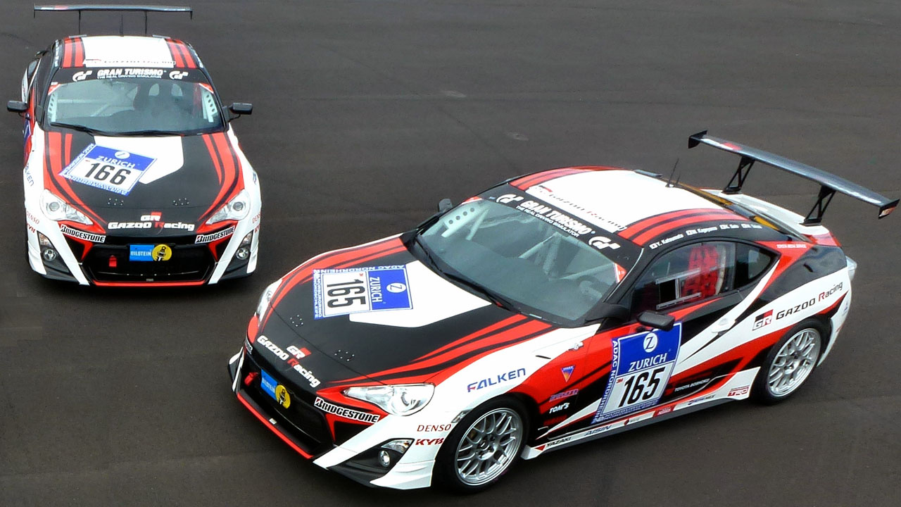 Две GAZOO Racing Toyota GT86
