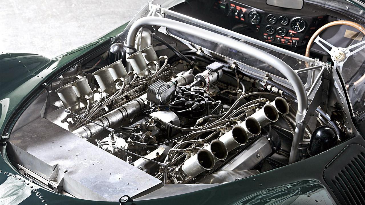 12-ти цилиндровый двигатель
