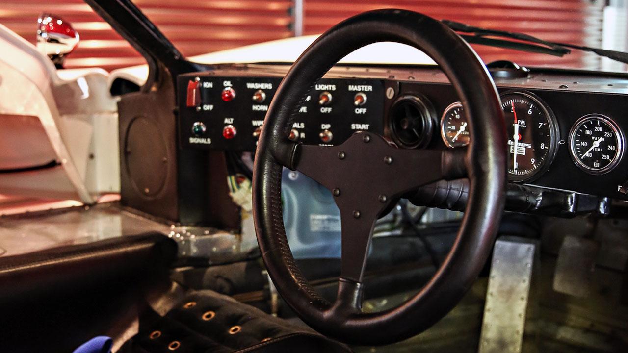 Кокпит гоночного GT40