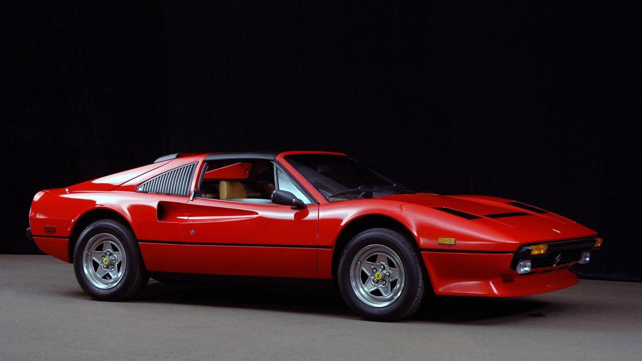 Ferrari 308 GTS Спереди