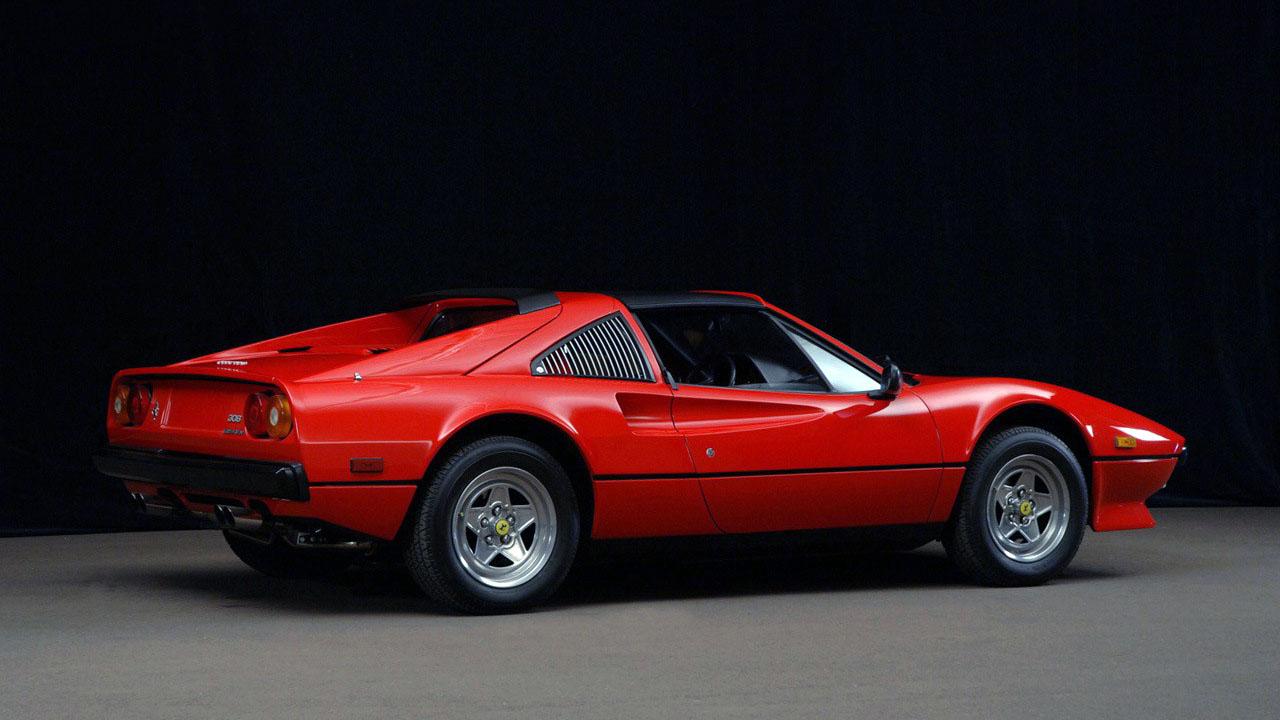 Ferrari 308 GTS Сзади