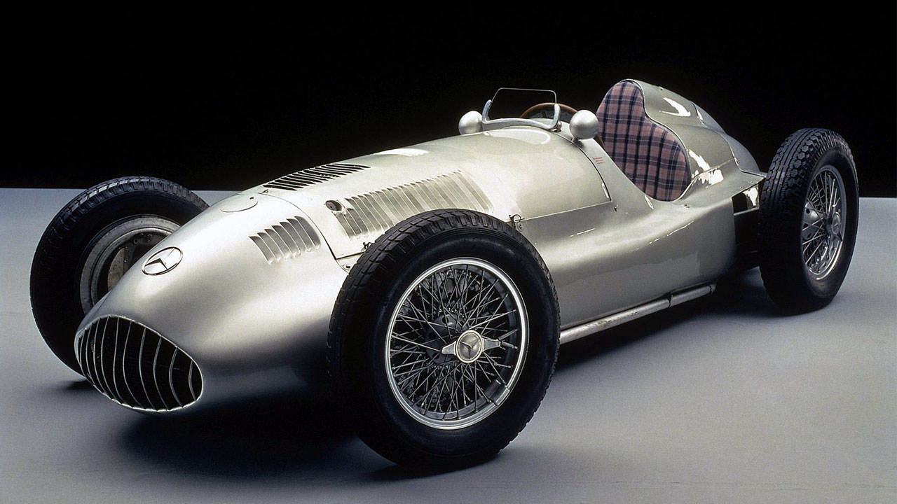 Mercedes-Benz W125 - Silver Arrow