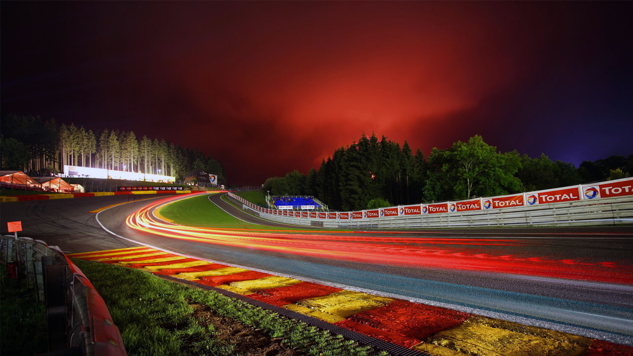 Eau Rouge-Raidillon ночью