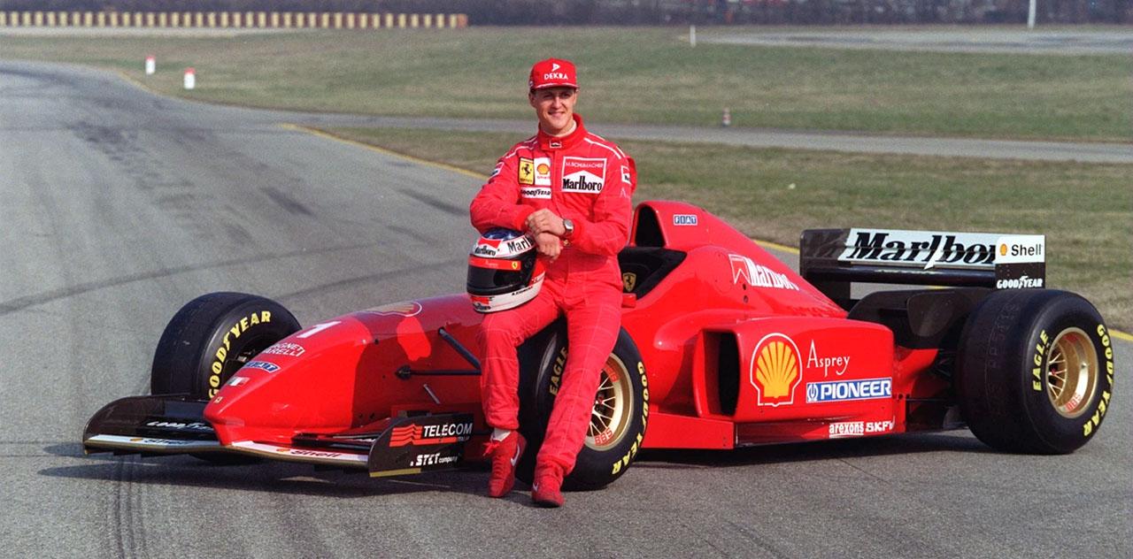 Михаэль Шумахер возле болида Ferrari