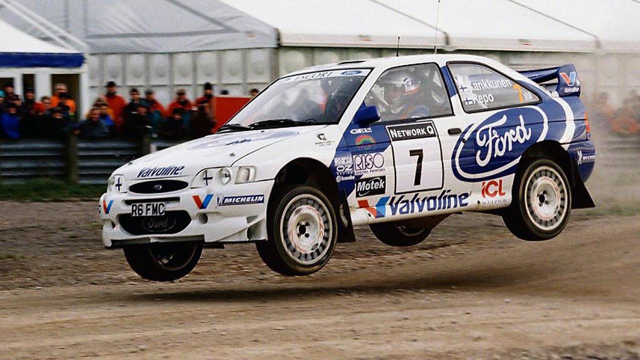 Прыжок Ford на ралли