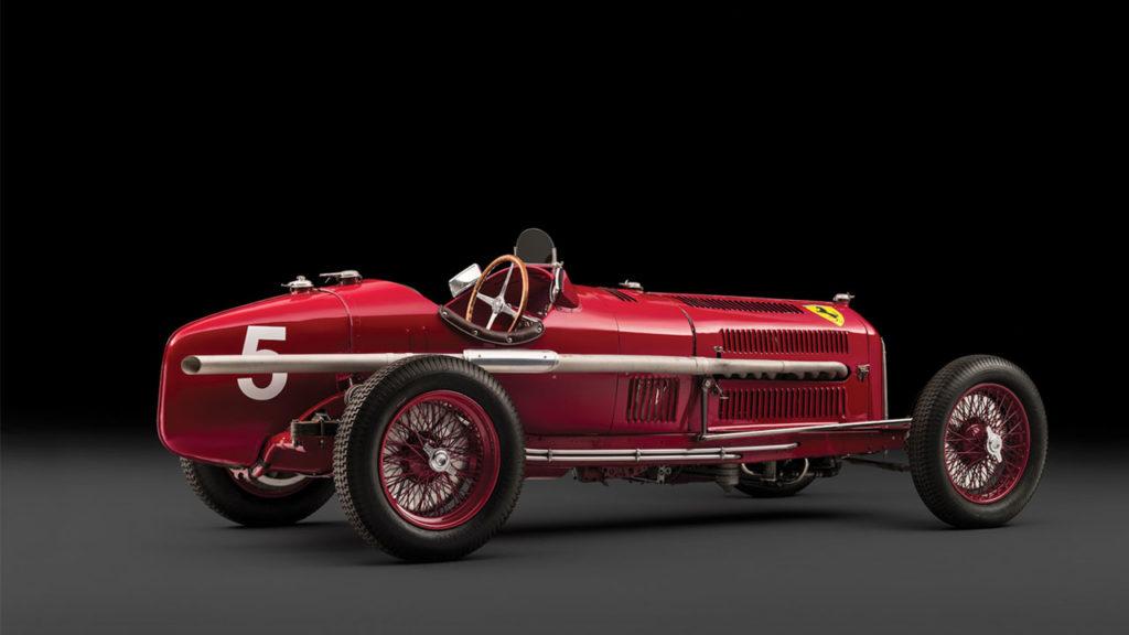 Scuderia Ferrari Alfa-Romeo Tipo B P3 Вид сзади