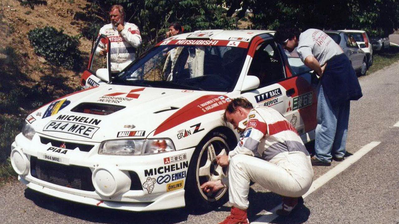 Томми Мякинен и Сеппо Харьянне Ralliart Mitsubishi Lancer Evolution IV WRC