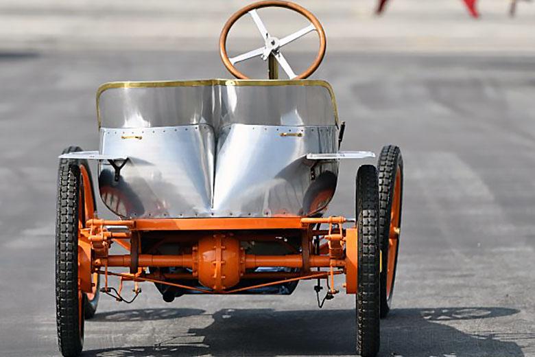 Bugatti Type 10 Вид сзади