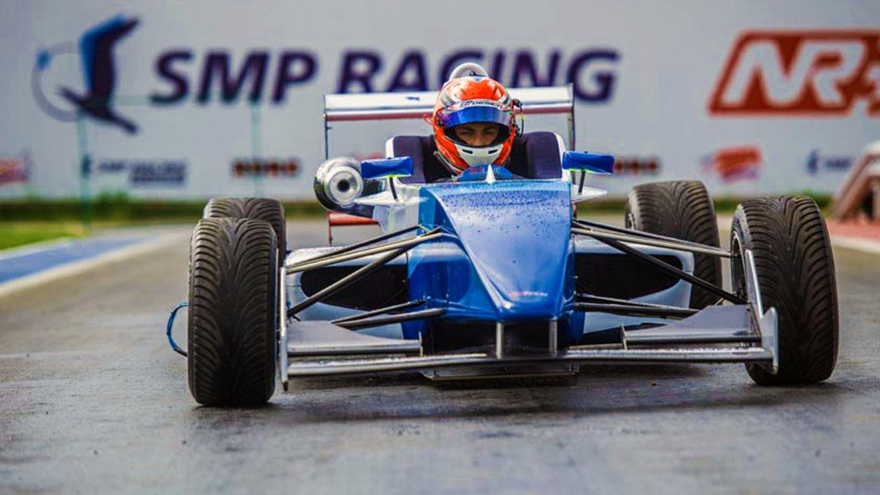Болид Формула 4