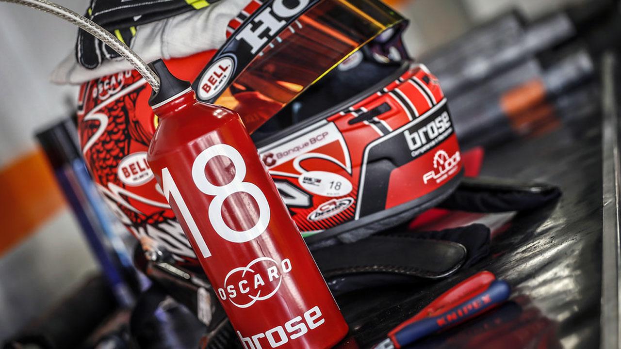 Гоночный Шлем World Touring Car Cup