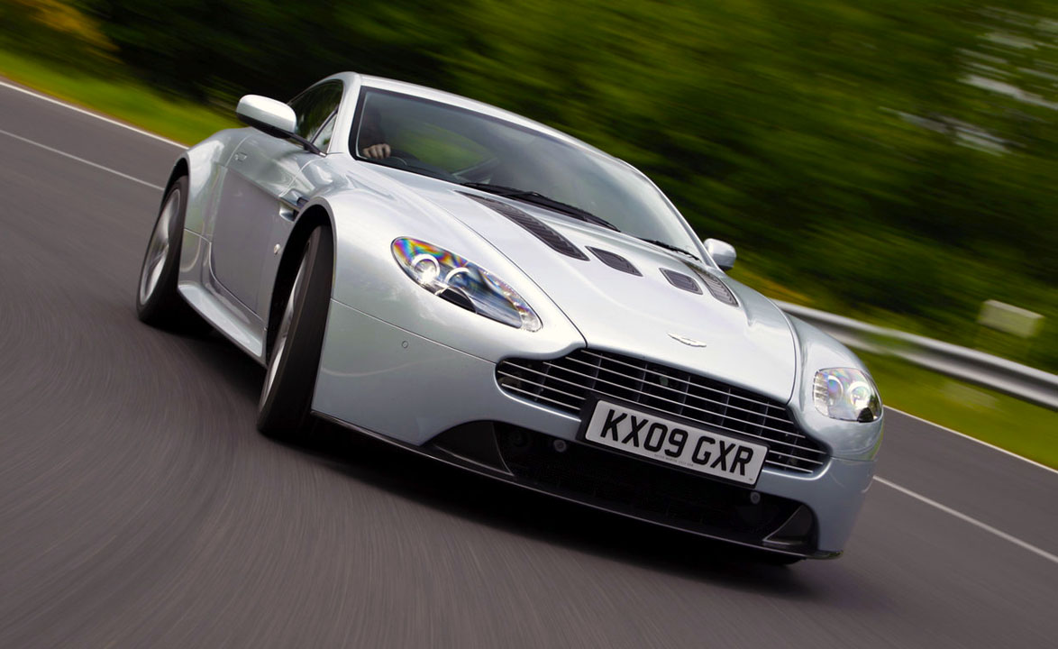 Aston Martin V12 Vantage - 2010