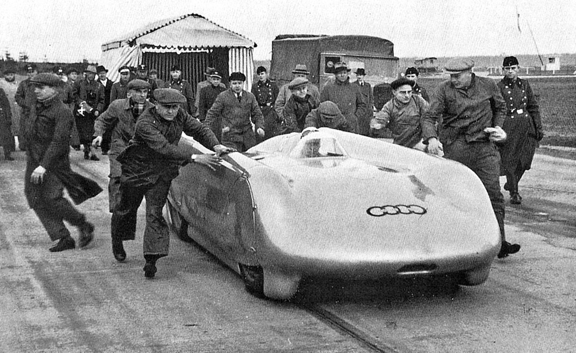 Bernd Rosemeyer на Auto Union Type C Streamliner