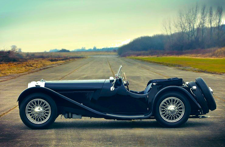 SS Jaguar 100 Сбоку