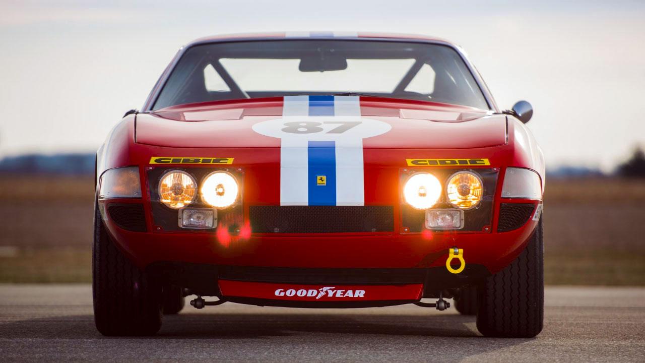 Ferrari 365 GTB4 Спереди