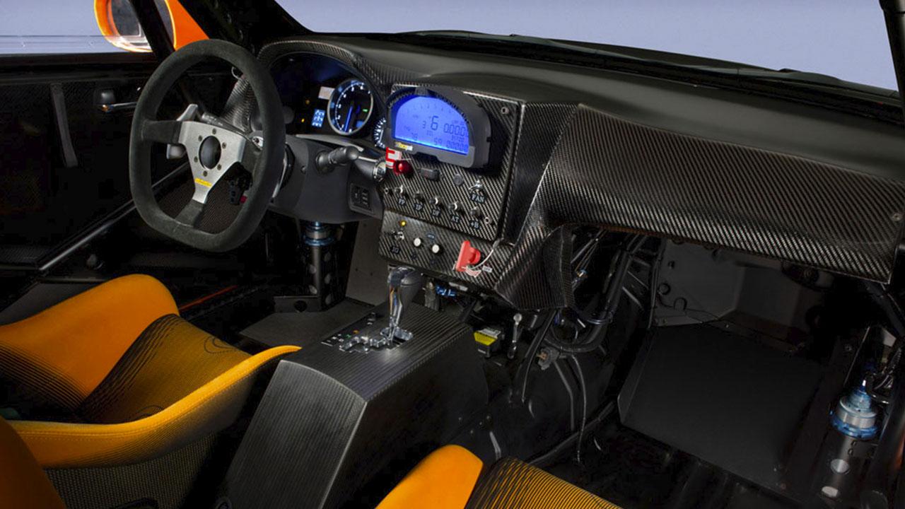 Интерьер Lexus IS F CCS-R 2011