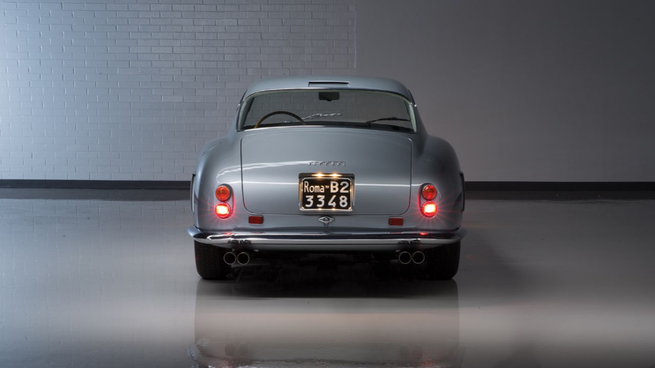250 GT SWB вид сзади