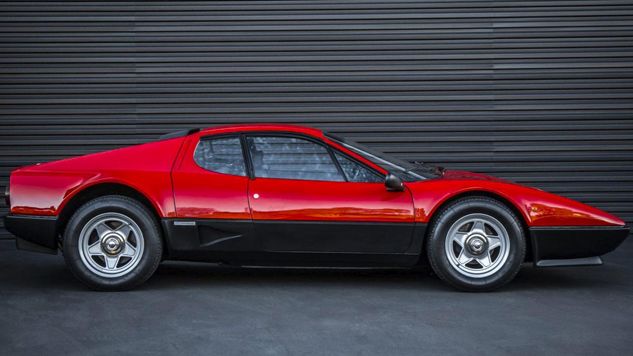 Ferrari 512 BBi сбоку