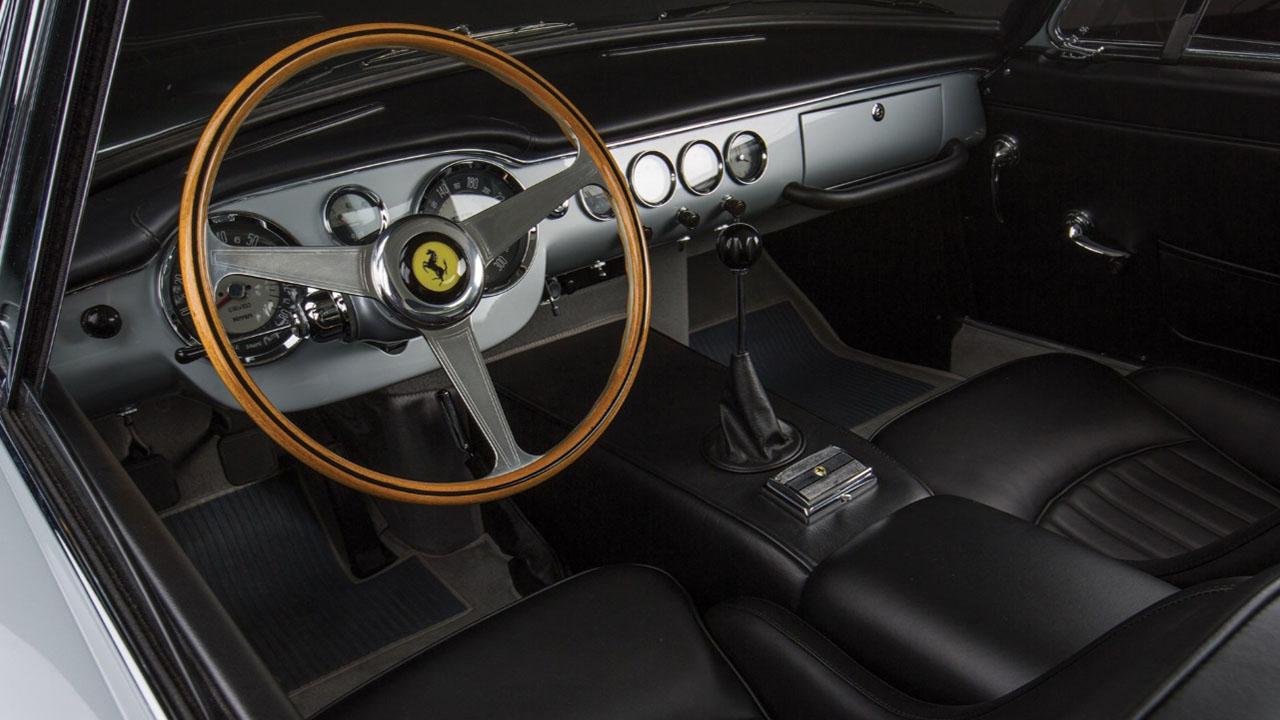 Интерьер 250 GT SWB Berlinetta