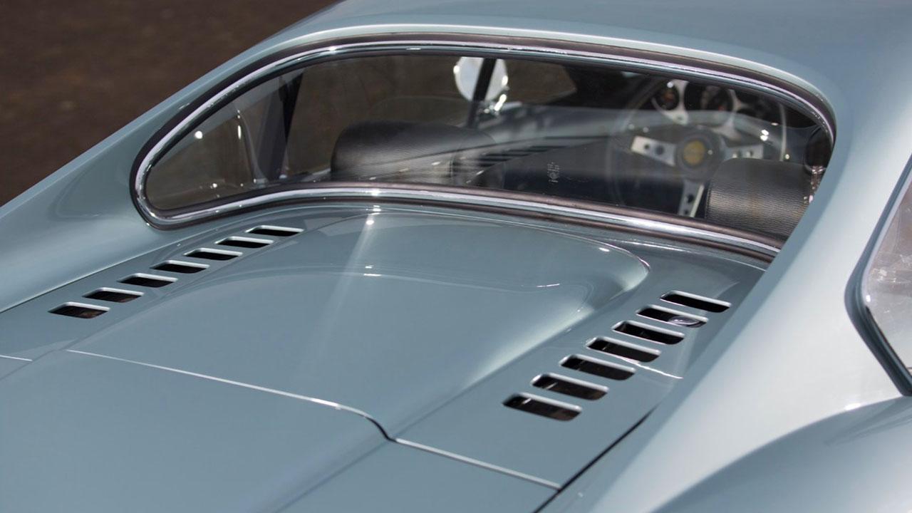 Капот Ferrari