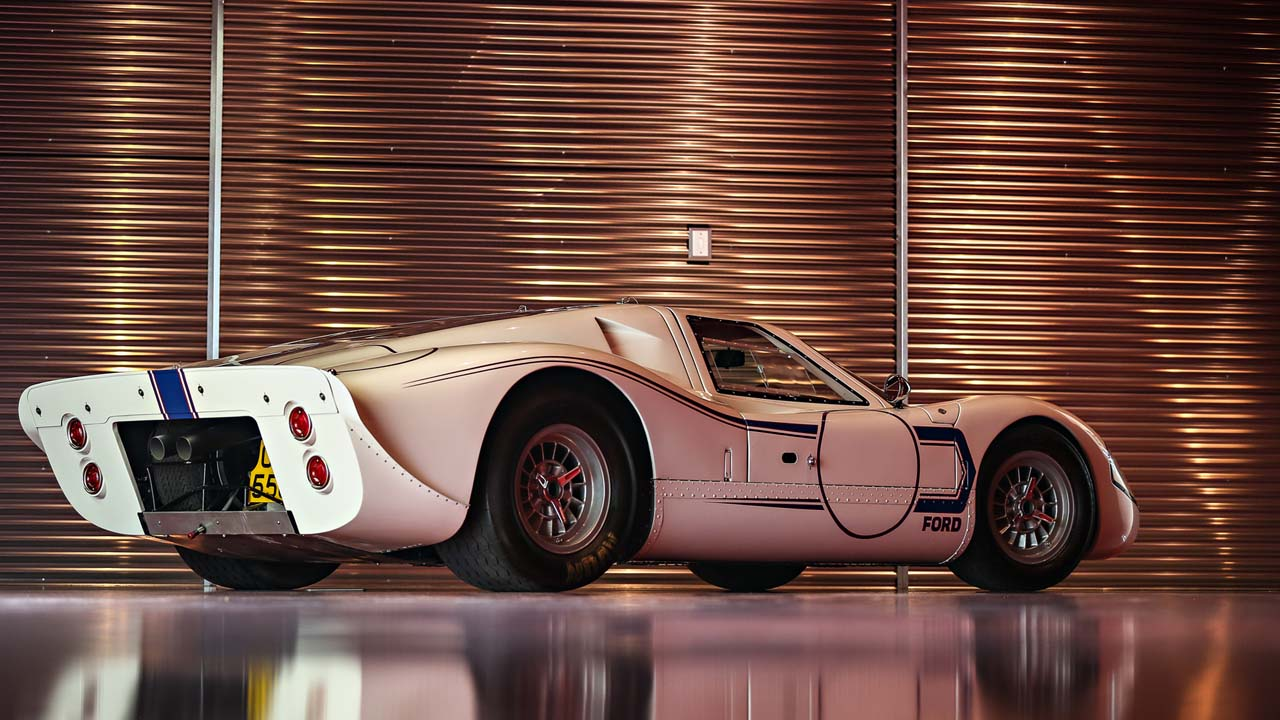 Ford GT40 MKIV вид сзади